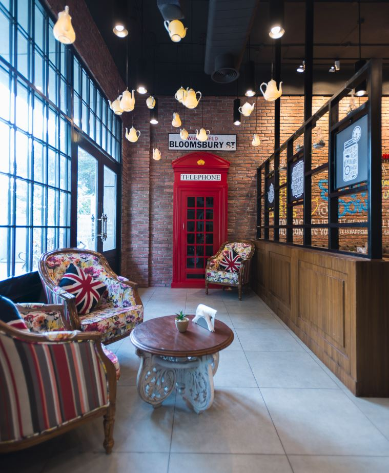 Bloomsbury's cafe in Kochi India designed by DZ Design